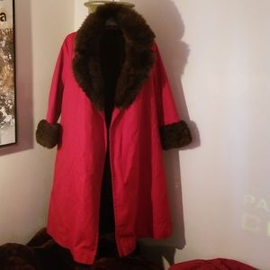 VINTAGE RED TRENCH FUR COAT/FREE MATCHING HAT